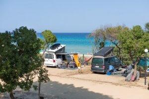 Met je camper aan het strand