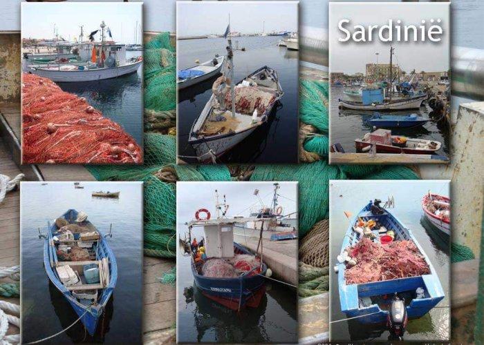 Havens Sardinie met vissersbootjes
